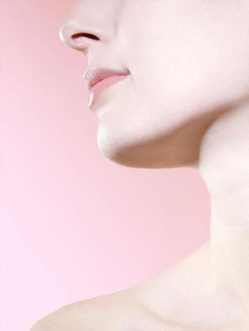 3招告别颈部细纹暗沉 拥有美丽 颈 色图片