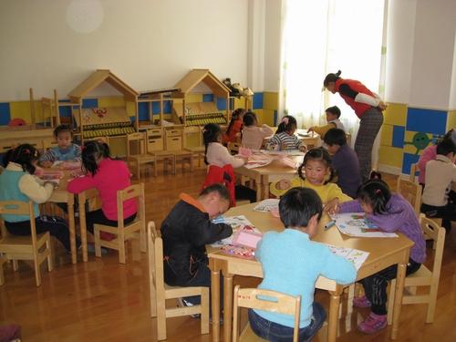 """横沙中心幼儿园""""奥运在我心中""""幼儿主题绘画活动一瞥"""